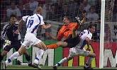 11-Jun-2000 - Netherlands-Czech Republic - Penalty awarded to Netherlands on 88'