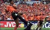 25-Jun-2000 - Yugoslavia-Netherlands - Goal by Kluivert (Netherlands) on 24' (0-1)