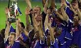02-Jul-2000 - France-Italy - European Championship trophy presented to France